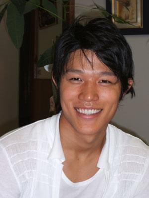 鈴木亮平 (モデル)の画像 p1_23